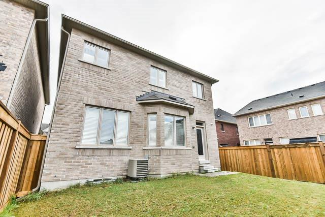 Detached at 151 Glad Park Ave, Whitchurch-Stouffville, Ontario. Image 13