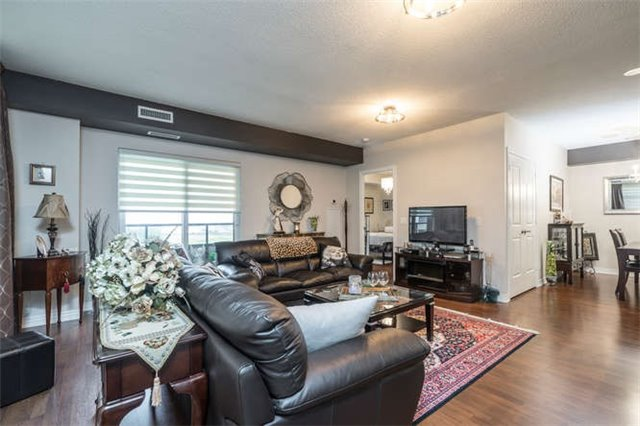 Condo Apartment at 9245 Jane St, Unit 905, Vaughan, Ontario. Image 17