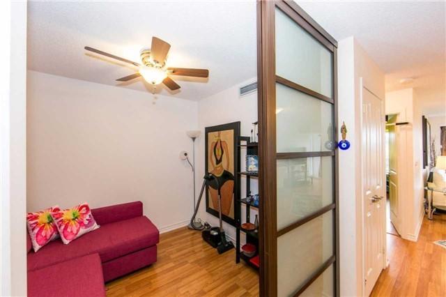 Condo Apartment at 18 Harding Blvd, Unit 506, Richmond Hill, Ontario. Image 18