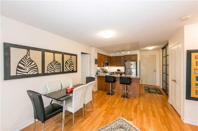 Condo Apartment at 18 Harding Blvd, Unit 506, Richmond Hill, Ontario. Image 19