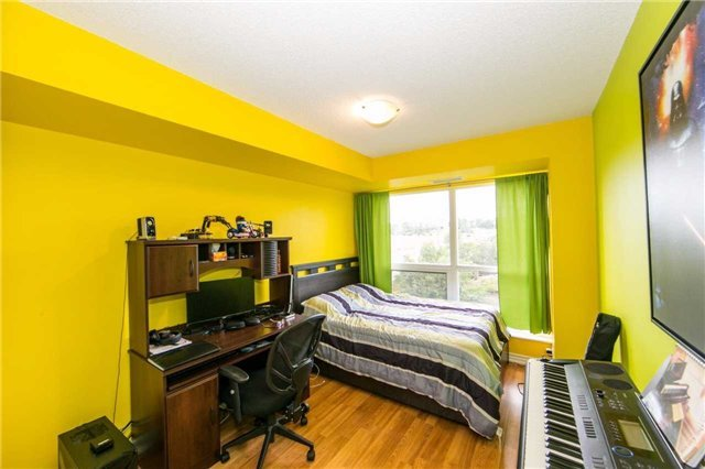 Condo Apartment at 18 Harding Blvd, Unit 506, Richmond Hill, Ontario. Image 5