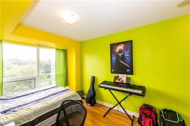 Condo Apartment at 18 Harding Blvd, Unit 506, Richmond Hill, Ontario. Image 6