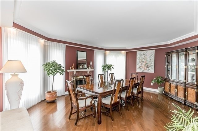 Detached at 84 Carlyle Cres, Aurora, Ontario. Image 17