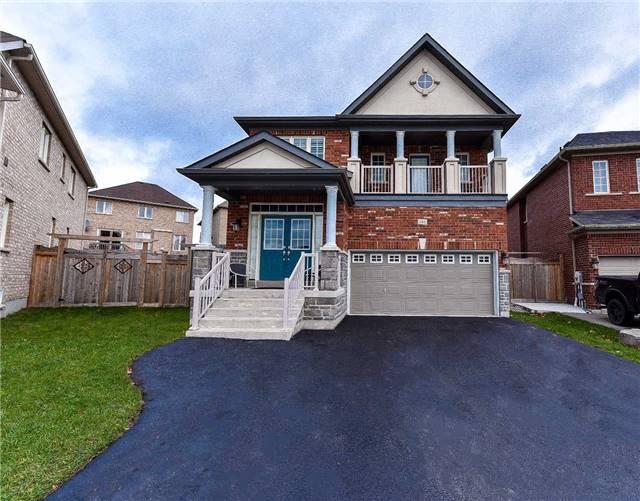 Detached at 460 Kwapis Blvd, Newmarket, Ontario. Image 1