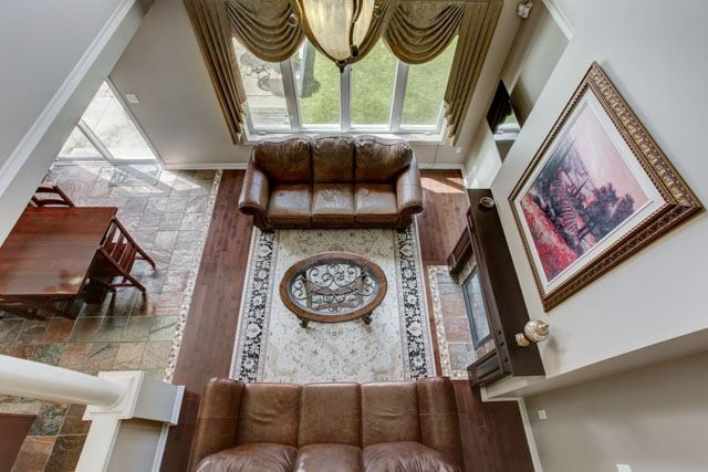 Detached at 6 Lexi St, Richmond Hill, Ontario. Image 4