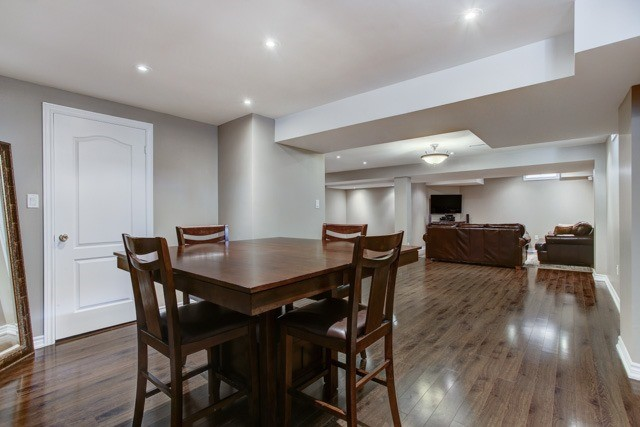 Detached at 6 Lexi St, Richmond Hill, Ontario. Image 9