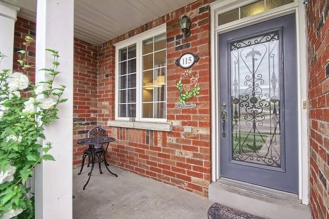 Townhouse at 115 Kirkvalley Cres, Aurora, Ontario. Image 14