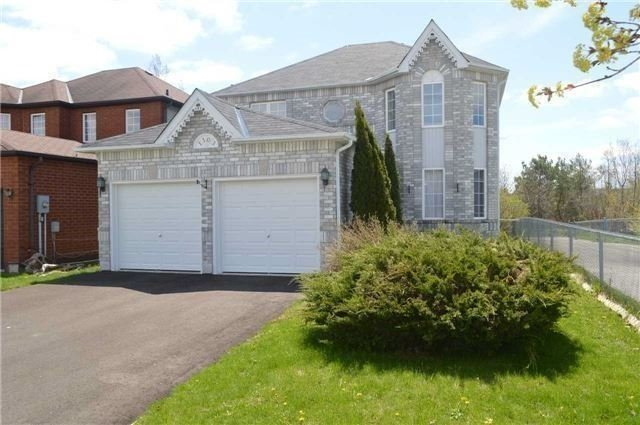 Detached at 1103 Corrie St, Innisfil, Ontario. Image 1