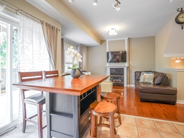 Detached at 69 Post Oak Dr, Richmond Hill, Ontario. Image 17