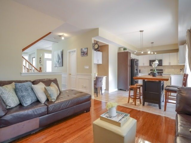 Detached at 69 Post Oak Dr, Richmond Hill, Ontario. Image 18