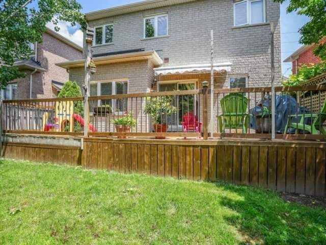 Detached at 69 Post Oak Dr, Richmond Hill, Ontario. Image 9