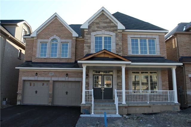 Detached at 907 Ernest Cousins Circ, Newmarket, Ontario. Image 1
