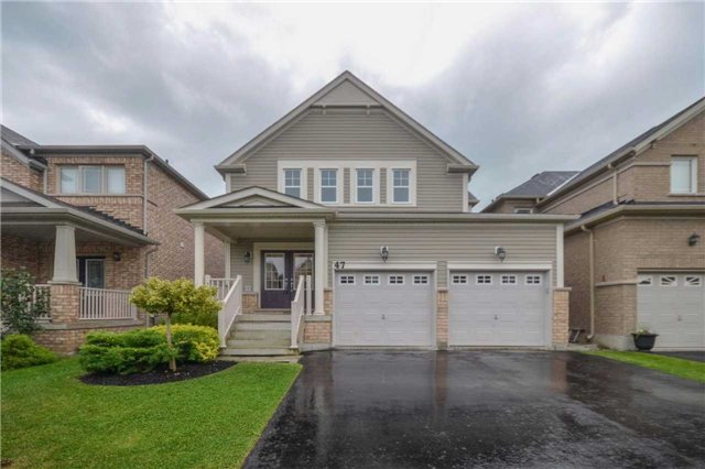 Detached at 47 Mooney St, Bradford West Gwillimbury, Ontario. Image 1