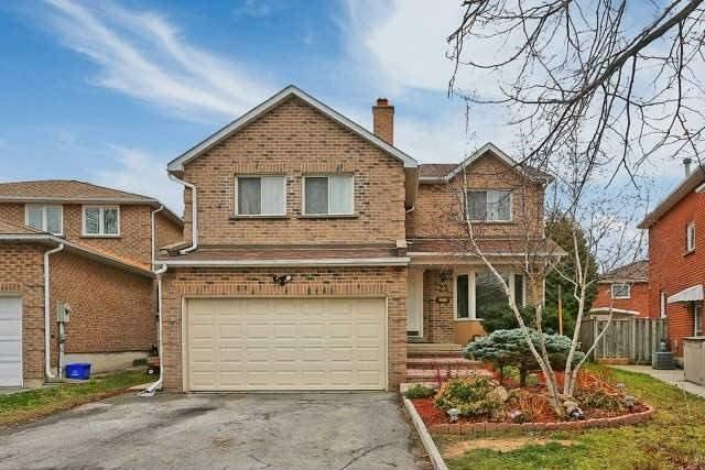 Detached at 23 Guildwood Dr, Richmond Hill, Ontario. Image 1