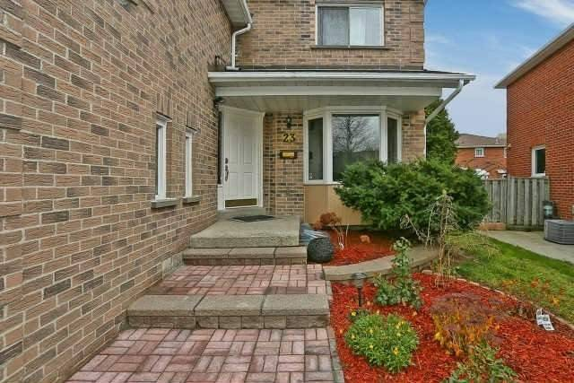 Detached at 23 Guildwood Dr, Richmond Hill, Ontario. Image 12