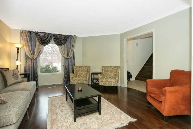 Detached at 23 Guildwood Dr, Richmond Hill, Ontario. Image 14