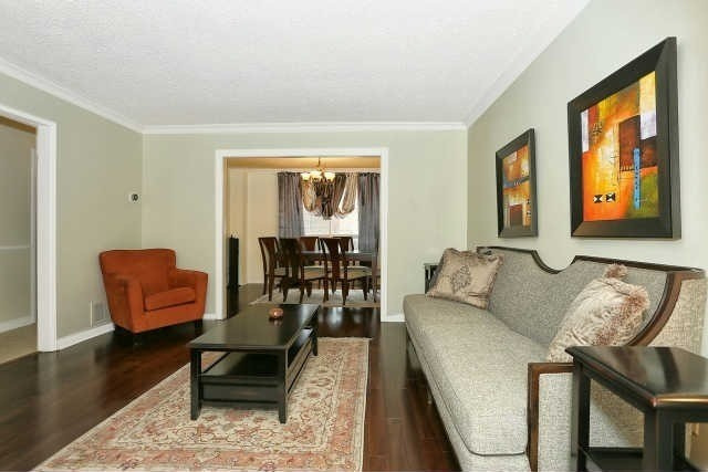 Detached at 23 Guildwood Dr, Richmond Hill, Ontario. Image 16