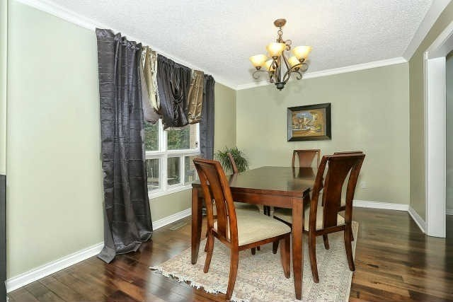 Detached at 23 Guildwood Dr, Richmond Hill, Ontario. Image 17