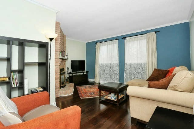 Detached at 23 Guildwood Dr, Richmond Hill, Ontario. Image 4