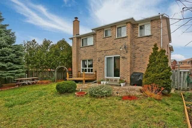 Detached at 23 Guildwood Dr, Richmond Hill, Ontario. Image 13