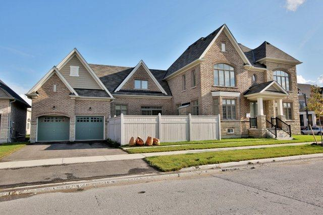 Detached at 1 Selby Cres, Bradford West Gwillimbury, Ontario. Image 11