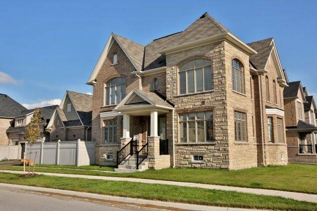 Detached at 1 Selby Cres, Bradford West Gwillimbury, Ontario. Image 12