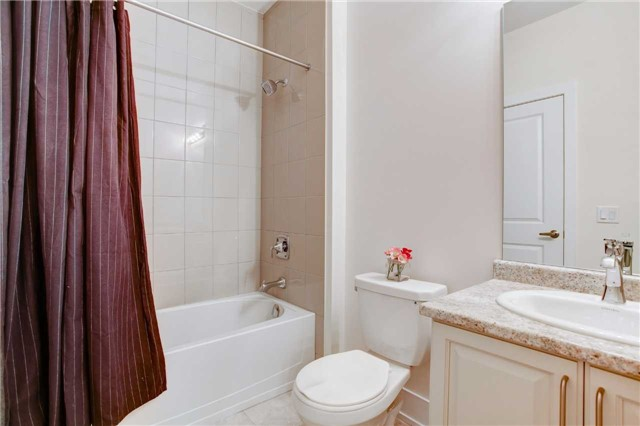 Townhouse at 20 Allerton Rd, Vaughan, Ontario. Image 6