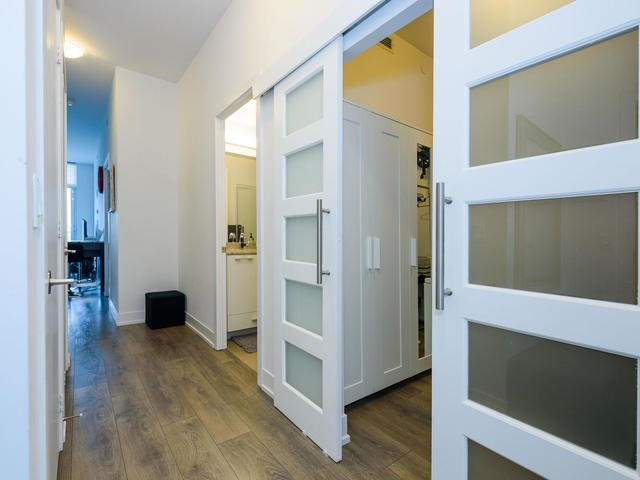Condo Apartment at 9471 Yonge St, Unit 309, Richmond Hill, Ontario. Image 1