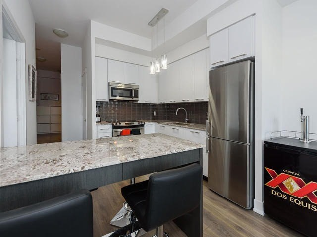 Condo Apartment at 9471 Yonge St, Unit 309, Richmond Hill, Ontario. Image 16