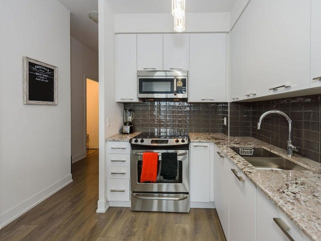 Condo Apartment at 9471 Yonge St, Unit 309, Richmond Hill, Ontario. Image 18