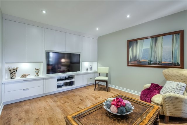 Detached at 115 Governor Cres, Vaughan, Ontario. Image 15