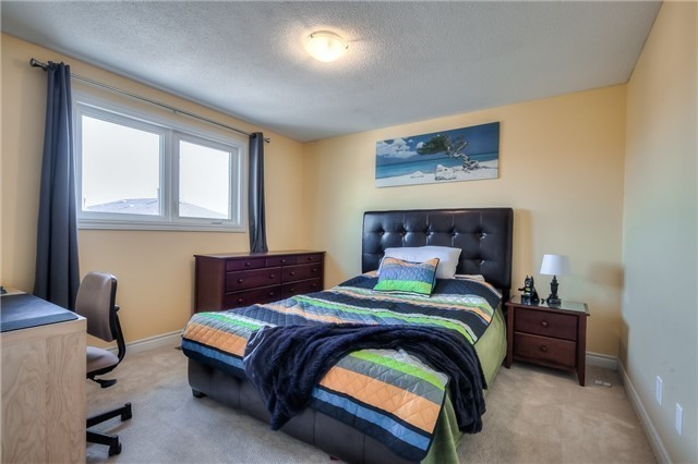 Detached at 115 Governor Cres, Vaughan, Ontario. Image 7