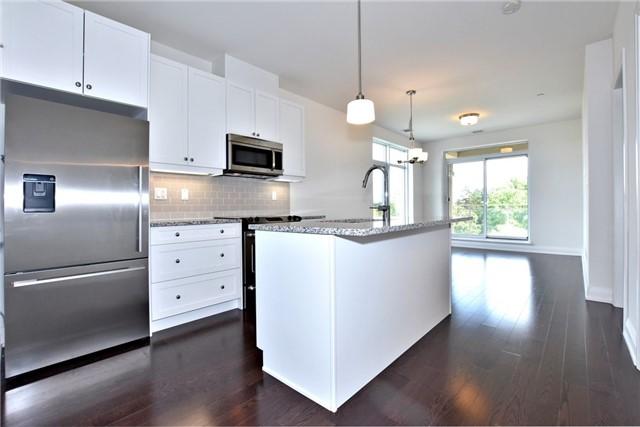 Condo Apartment at 15277 Yonge St, Unit 602B, Aurora, Ontario. Image 13