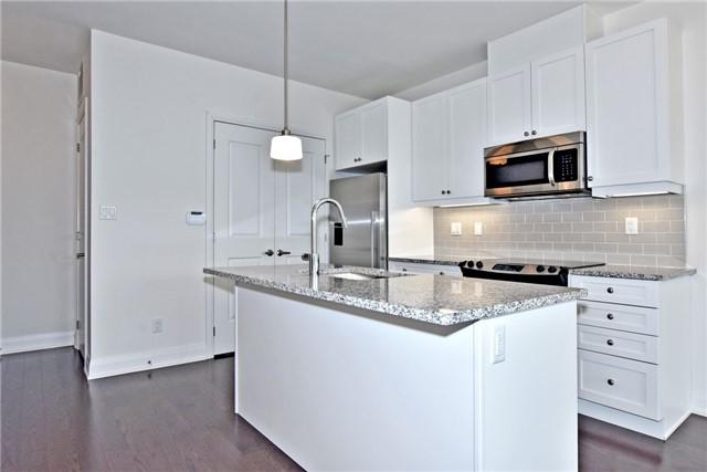 Condo Apartment at 15277 Yonge St, Unit 602B, Aurora, Ontario. Image 14