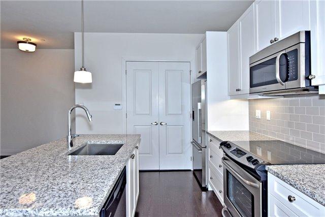 Condo Apartment at 15277 Yonge St, Unit 602B, Aurora, Ontario. Image 16
