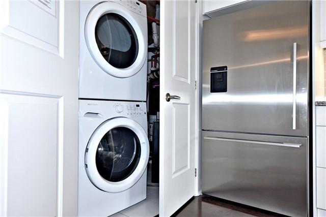 Condo Apartment at 15277 Yonge St, Unit 602B, Aurora, Ontario. Image 3