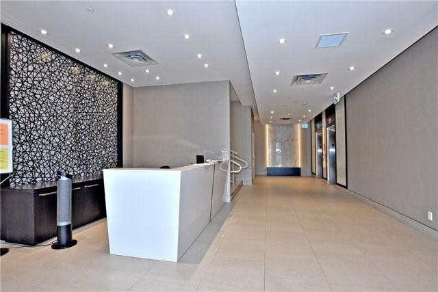 Condo Apartment at 15277 Yonge St, Unit 602B, Aurora, Ontario. Image 5