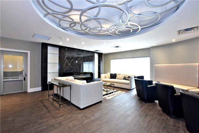 Condo Apartment at 15277 Yonge St, Unit 602B, Aurora, Ontario. Image 9