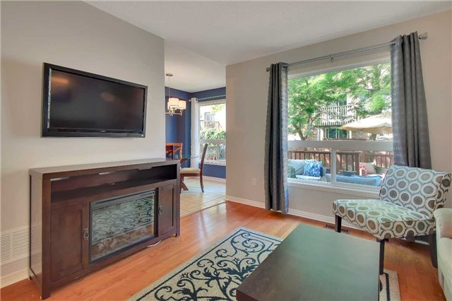 Townhouse at 326 Marble Pl, Newmarket, Ontario. Image 12