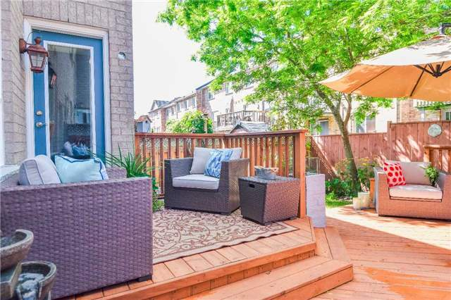 Townhouse at 326 Marble Pl, Newmarket, Ontario. Image 8