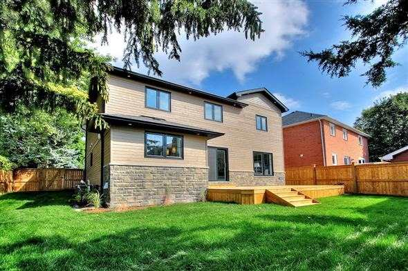 Detached at 194 Sunset Blvd, Whitchurch-Stouffville, Ontario. Image 8