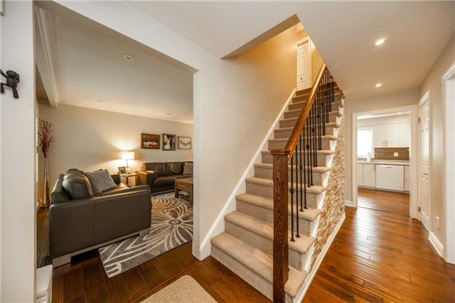 Detached at 95 Norman Dr, King, Ontario. Image 12