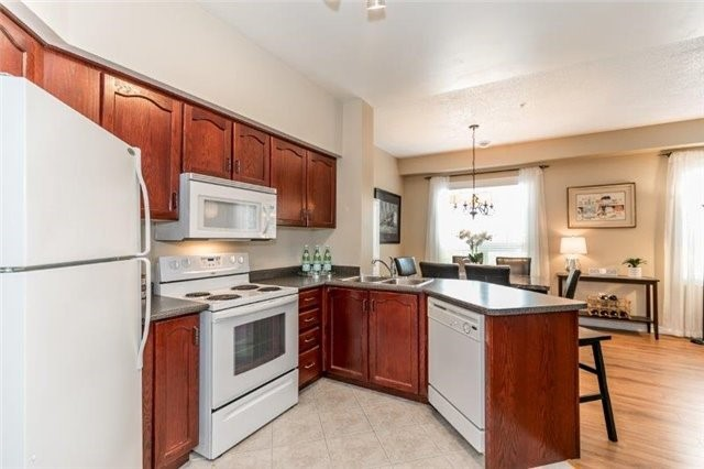 Condo With Common Elements at 112 Simcoe Rd, Unit # 101, Bradford West Gwillimbury, Ontario. Image 1