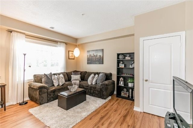 Condo With Common Elements at 112 Simcoe Rd, Unit # 101, Bradford West Gwillimbury, Ontario. Image 7