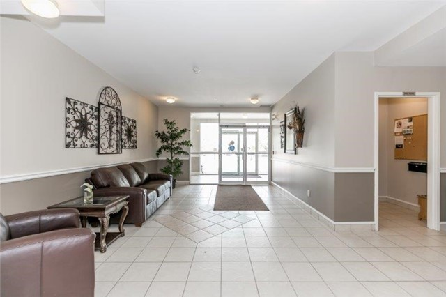 Condo With Common Elements at 112 Simcoe Rd, Unit # 101, Bradford West Gwillimbury, Ontario. Image 10