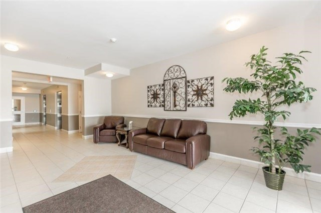 Condo With Common Elements at 112 Simcoe Rd, Unit # 101, Bradford West Gwillimbury, Ontario. Image 12