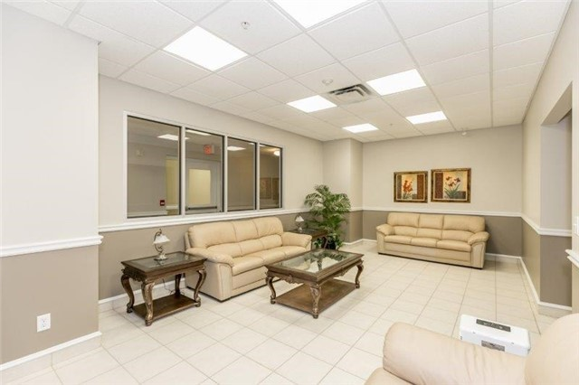Condo With Common Elements at 112 Simcoe Rd, Unit # 101, Bradford West Gwillimbury, Ontario. Image 2