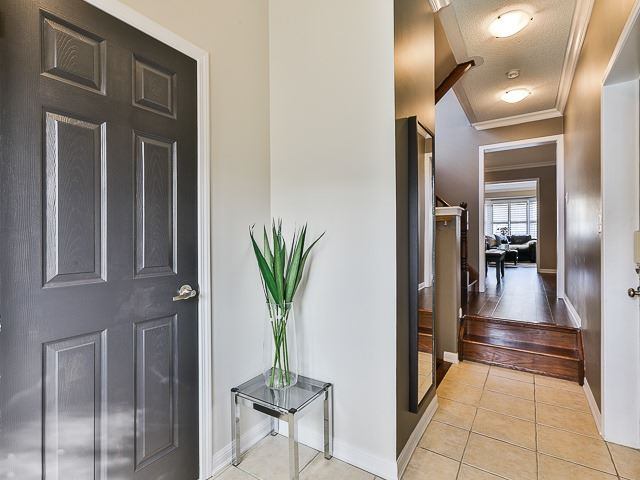 Semi-detached at 186 Dougherty Cres, Whitchurch-Stouffville, Ontario. Image 12