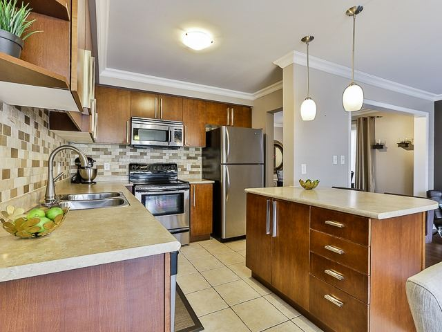 Semi-detached at 186 Dougherty Cres, Whitchurch-Stouffville, Ontario. Image 19