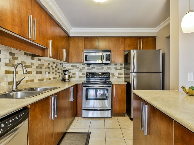 Semi-detached at 186 Dougherty Cres, Whitchurch-Stouffville, Ontario. Image 20